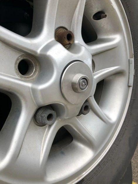 Defender Spare Wheel Lock