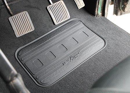 """Defender 110"""" - Crew Cab Puma Full Premium Carpet set"""
